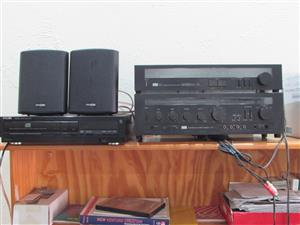 Amplifier, Cd player, Tuner and Speakers as a unit