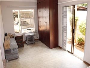 3 Bed 2 Bath Pet friendly with Air-Con House to Let