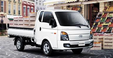BAKKIE FOR HIRE-FURNITURE REMOVALS AND GOODS TRANSPORTATIONS.