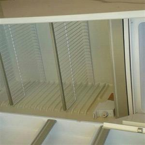 kelvinator fridge and freezer