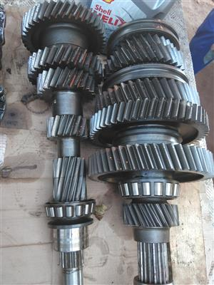 UD 330/370 Manual 7speed gearbox