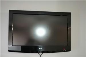 "LG 32"" Flat screen Tv"