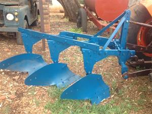 U Make 3 Furrow Mouldboard Frame Plough / 3 Skaar Raam Ploeg Pre-Owned Implement