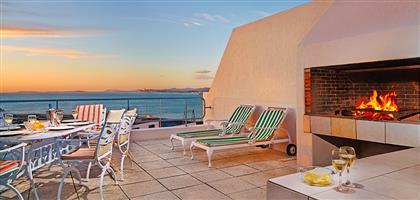 Gordons Bay - Cape Gordonia. Luxury 6/8 sleeper at 45% discount to resort rates