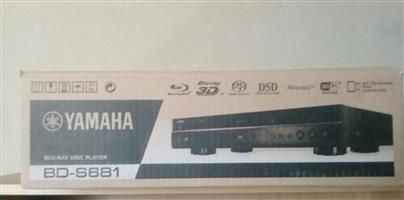 YAMAHA Blu-ray BD-S681 Disc player