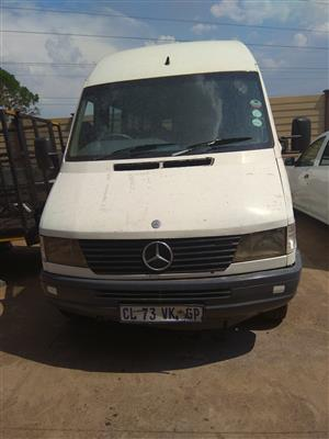 412 Mercedes Sprinter 26 seater R190000 negotiable 1997 model