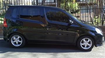 2004 Daihatsu YRV 1.3