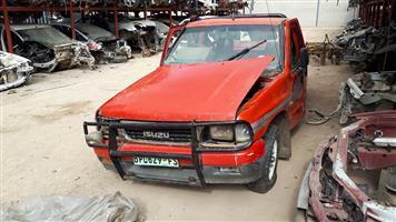Isuzu KB250 - 1990 : Stripping for spares