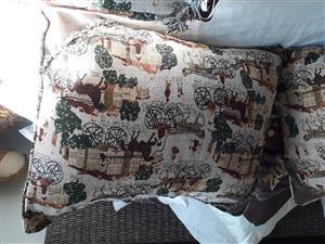 Luxurious cumfy cushions