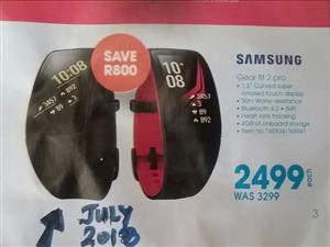 SAMSUNG GEAR Fit 2 Pro. Brand New