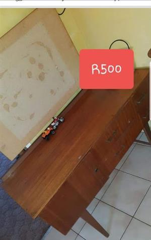 old dresser no mirror