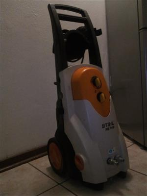Stihl RE 142 industrial pressure washer 140 Bar
