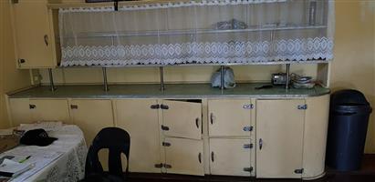 Krugersdorp-Central R550 000-00 Bargain 3 x bed 4-Sale * Ideal Restoration project