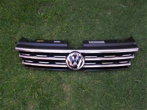 2019 VW TIGUAN FRONT GRILL WITH BADGE FOR SALE