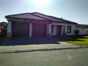 Large 4 bedroom house for sale in upmarket Haasendal (Kuilsriver)
