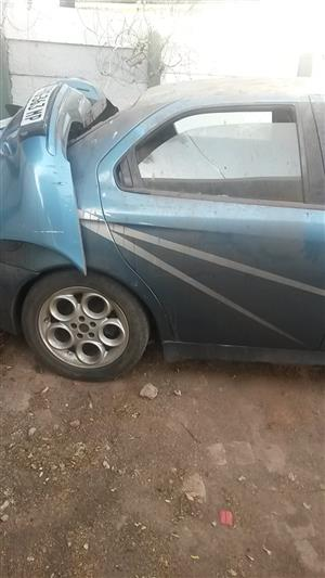 Alfa Romeo 156 2.5 body and electric spares for sale