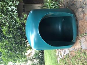 Extra Large green molded plastic dog kennel