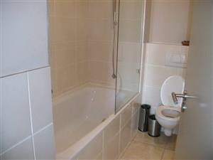Two Bedroom and Two Bathroom Apartment in Highlevel terrace - Sea Point