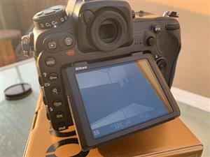 Mint Slr camera nikon d500 with 12-24mm lens