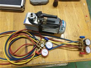 2 Stage Vacuum Pump with Gauges