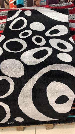 Black and white bubble sequence carpet