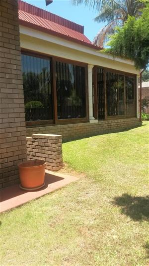 Spacious family home. Available 1 October!!!