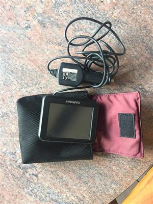 Garmin gps with charger and cover