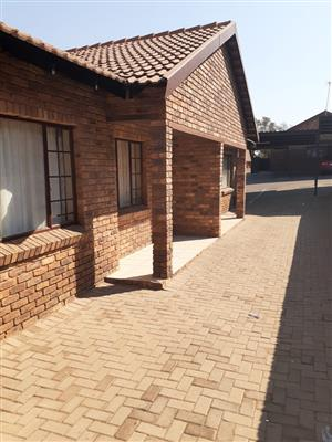Norman  Eaton  road: Pretoria  west: Cambridge Village