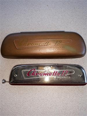 Original Chrometta 12 mouth organ in  case
