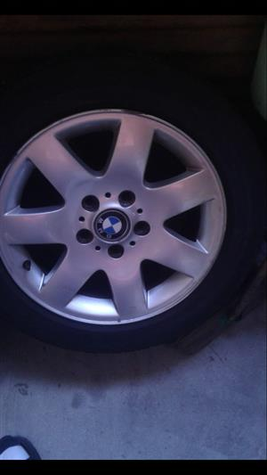 Bmw mags with tyres 205/55/16 4sale