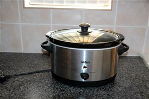 Salton 6.5 litre Slow Cooker