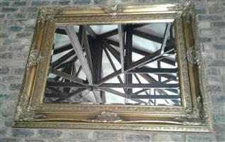 Mirror – classic gold frame