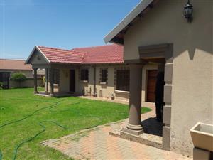 HOUSE FOR SALE IN TWEEFONTEIN MPUMALANGA