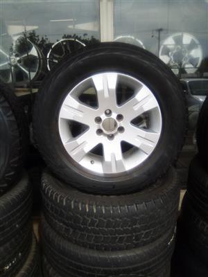 17 inch Navara/pathfinder rim with used tyre R1299.