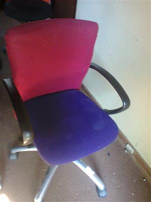 OFFICE CHAIRS - used