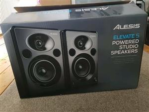 Alesis Elevate 5 MKII Studio Monitor Speakers R3000 neg