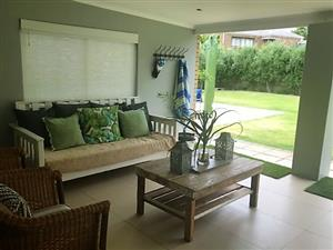 MODERN FAMILY HOME FOR SALE IN PICTURESQUE WINELANDS TOWN OF CERES - BY OWNER R2695,000