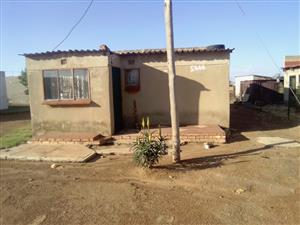 2 Bedroom house for sale in Lakeside, Orange Farm - CASH BUYERS ONLY
