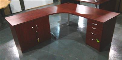 Estimo curved desk plus desk high pedestal