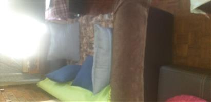 2 x 2 seater couches in good clean condition