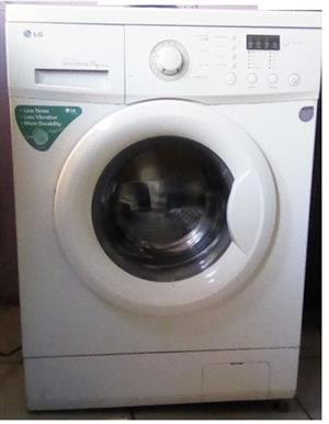 REDUCED: LG Washing Machines in White on Sale. Neg!