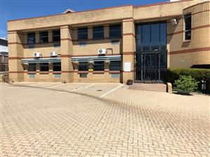 CORPORATE PARK SOUTH: LARGE WAREHOUSE / FACTORY / DISTRIBUTION CENTRE TO LET, MIDRAND, WITH N1 HIGHWAY VISSIBILITY!