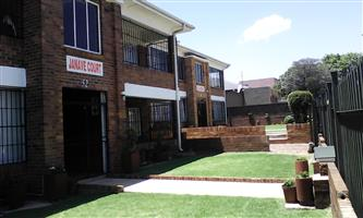 BachelorFlat To let (R2800pm)– Rosettenville ext