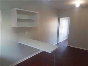 Elsburg 2bedroomed flat to rent for R3500
