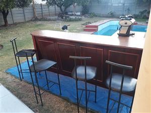 4-seater Breakfast/Coffee Bar