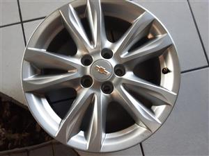 Chev cruze mags like new 16 inch