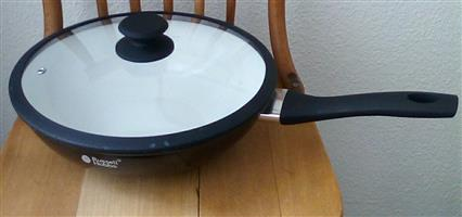 Snap this up - Brand New 28cm Ceramic Non-Stick Wok with Glass Lid!!