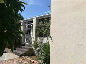 LOVELY GUEST HOUSE ACCOMMODATION IN PAROW