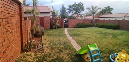 2 Bedroom Apartment to let in Mooikloof Ridge Pretoria east