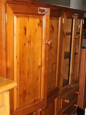 Pine tv stand S032789A #Rosettenvillepawnshop